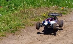 RC Buggy und RC Rennwagen fahren