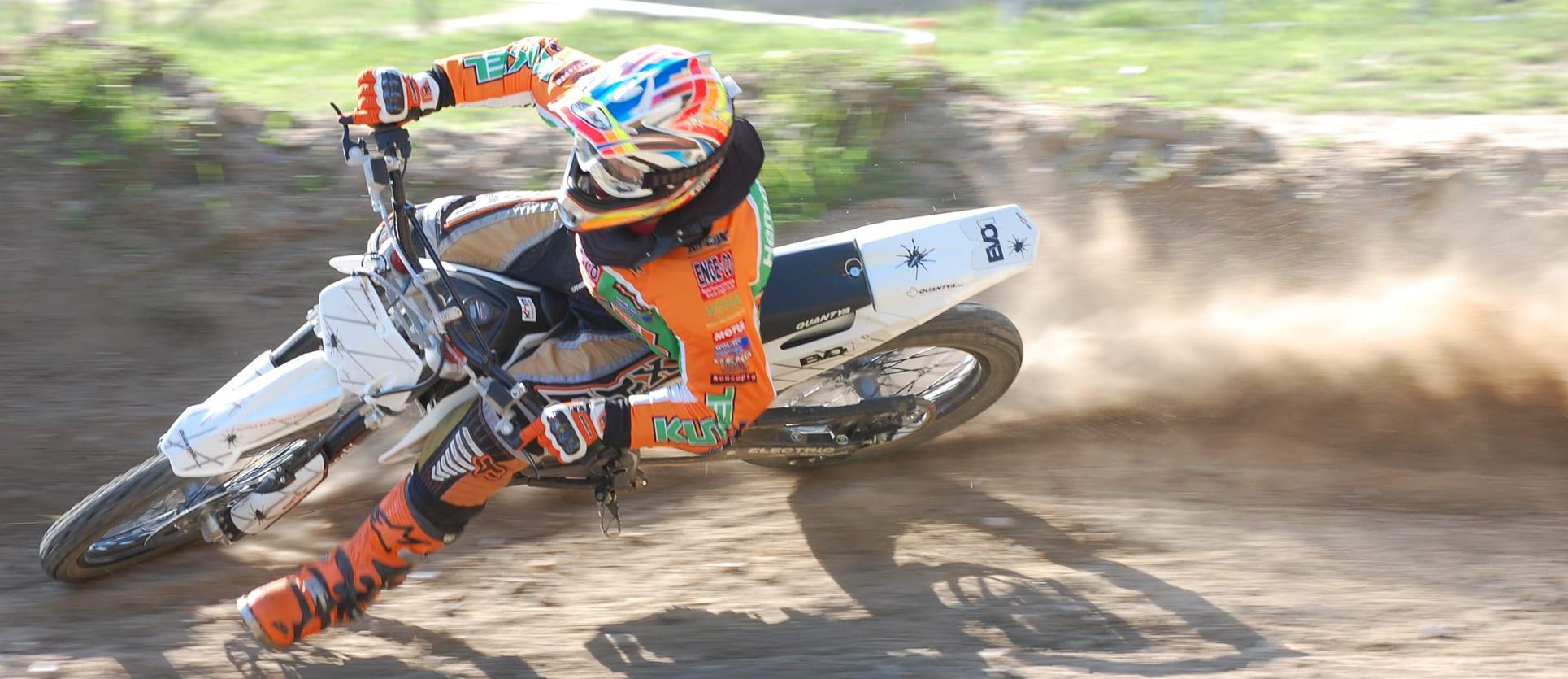 Motocross mit Quads und Bikes